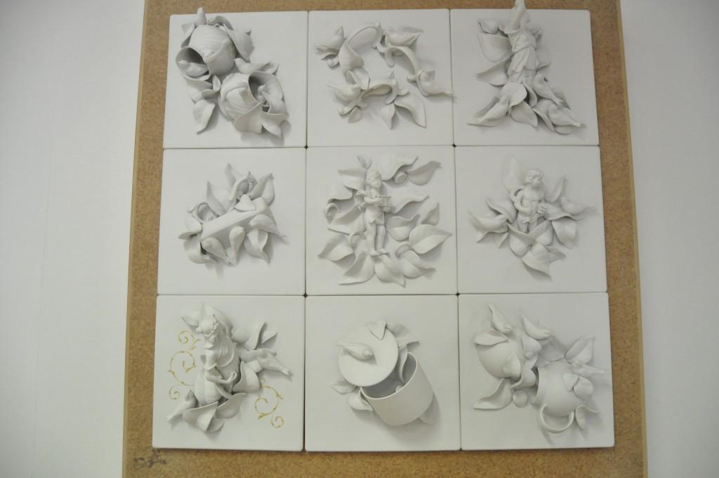 painel em azulejo e porcelana